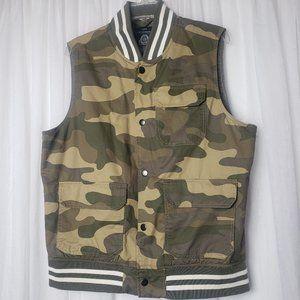 American Rag Camo Vest Utility 3 Front Pockets